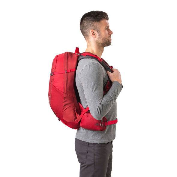 Salvo 24 in the color Tango Red.