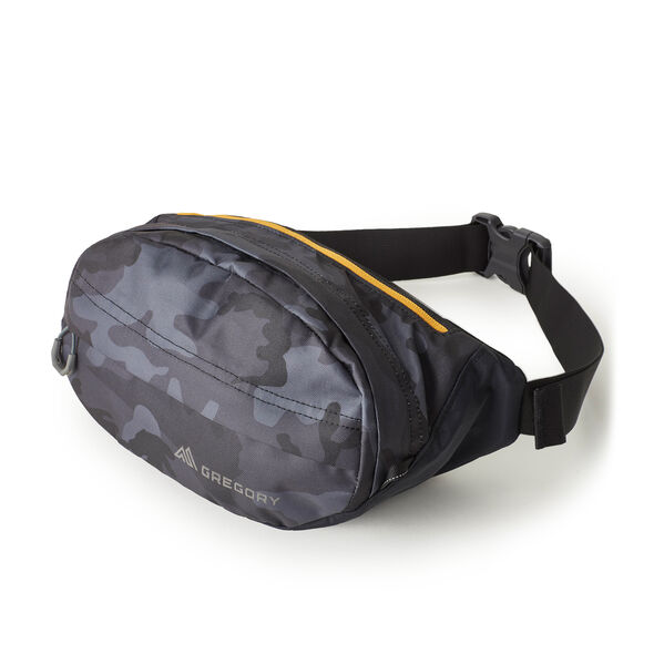 Nano Waistpack in the color Woodland Camo.